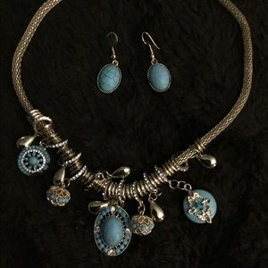 GORGEOUS GOLD & TURQUOISE NECKLACE & EARRINGS SET